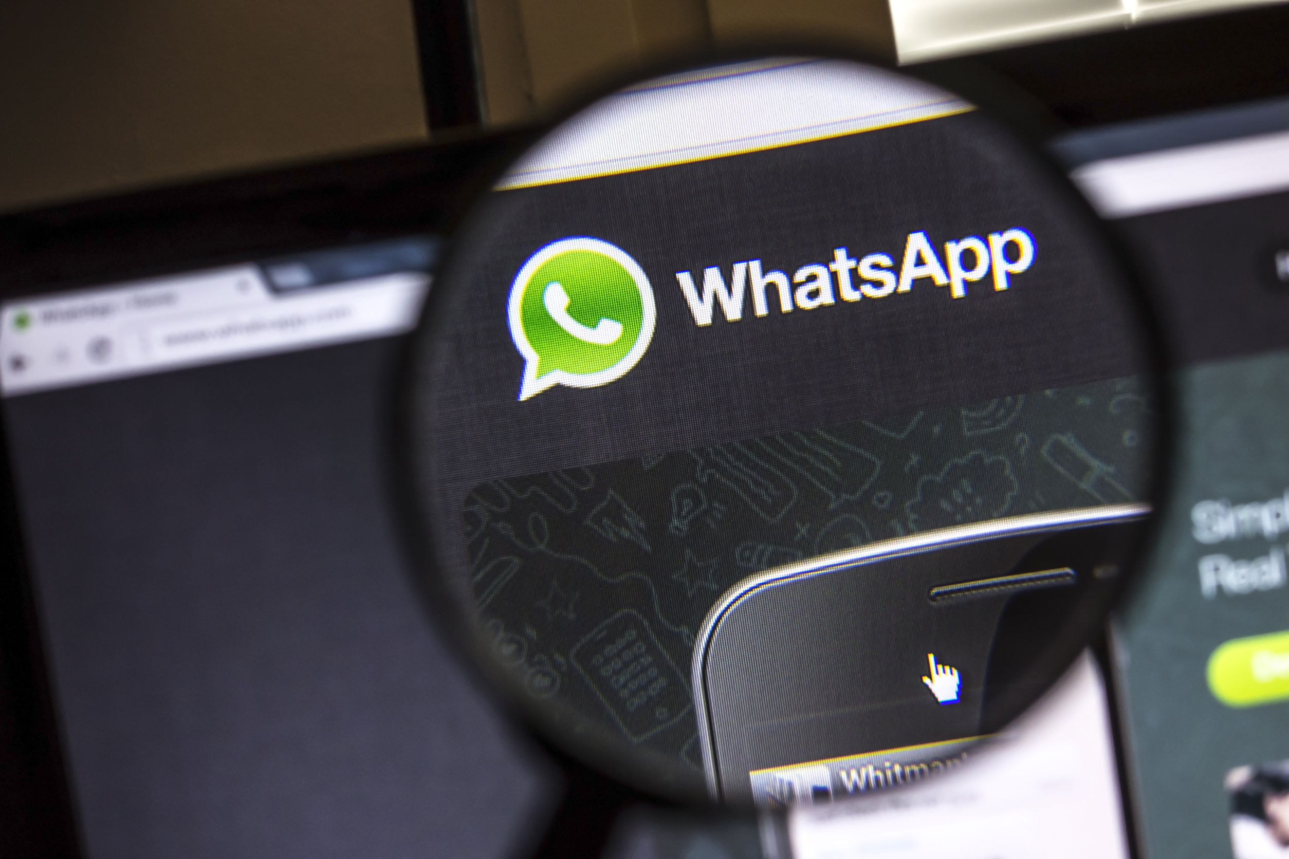 WhatsApp Plans to Dominate Snapchat Market